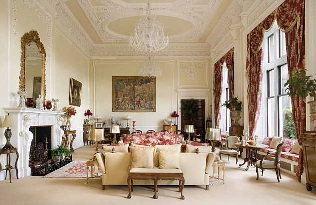 Baroque Style To Any Interior Design 2